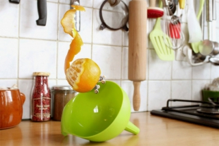 Skateboarding Fruits And Vegetables – 'Skitchen' by Benoit Jammes